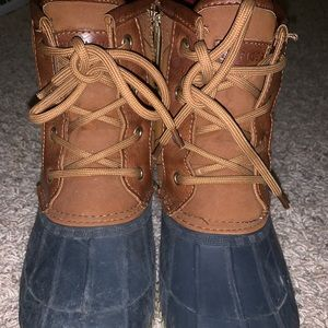 Tommy Hilfiger Boots size 8 ( fits 8 and 9)